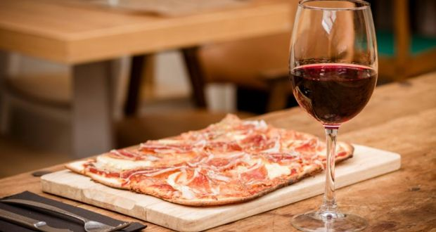 The Best Wines To Drink With Pizza
