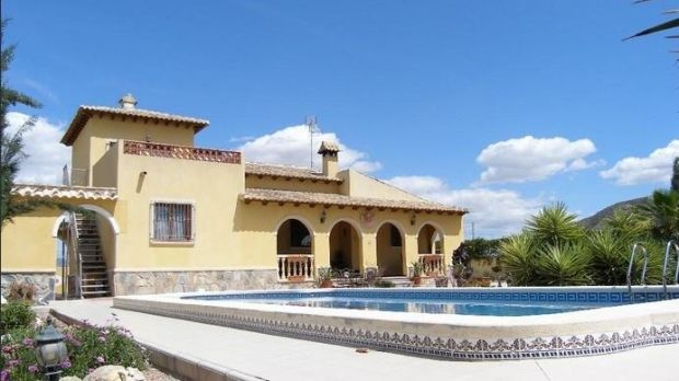 House with a swimming pool near the town of Orihuela, Alicante, Valencia, Spain