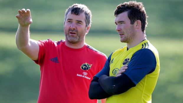 Peter O'Mahony with Anthony Foley during a Munster training session in 2013. Photo: Dan Sheridan/Inpho