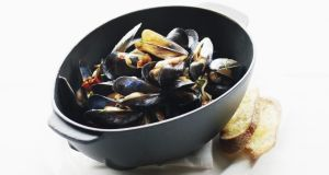Mussels with bacon