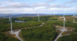 SSE and Coilte estimate that in a typical year, the green energy produced at Galway Wind Park will offset over 220,000 tonnes of harmful CO2 emissions