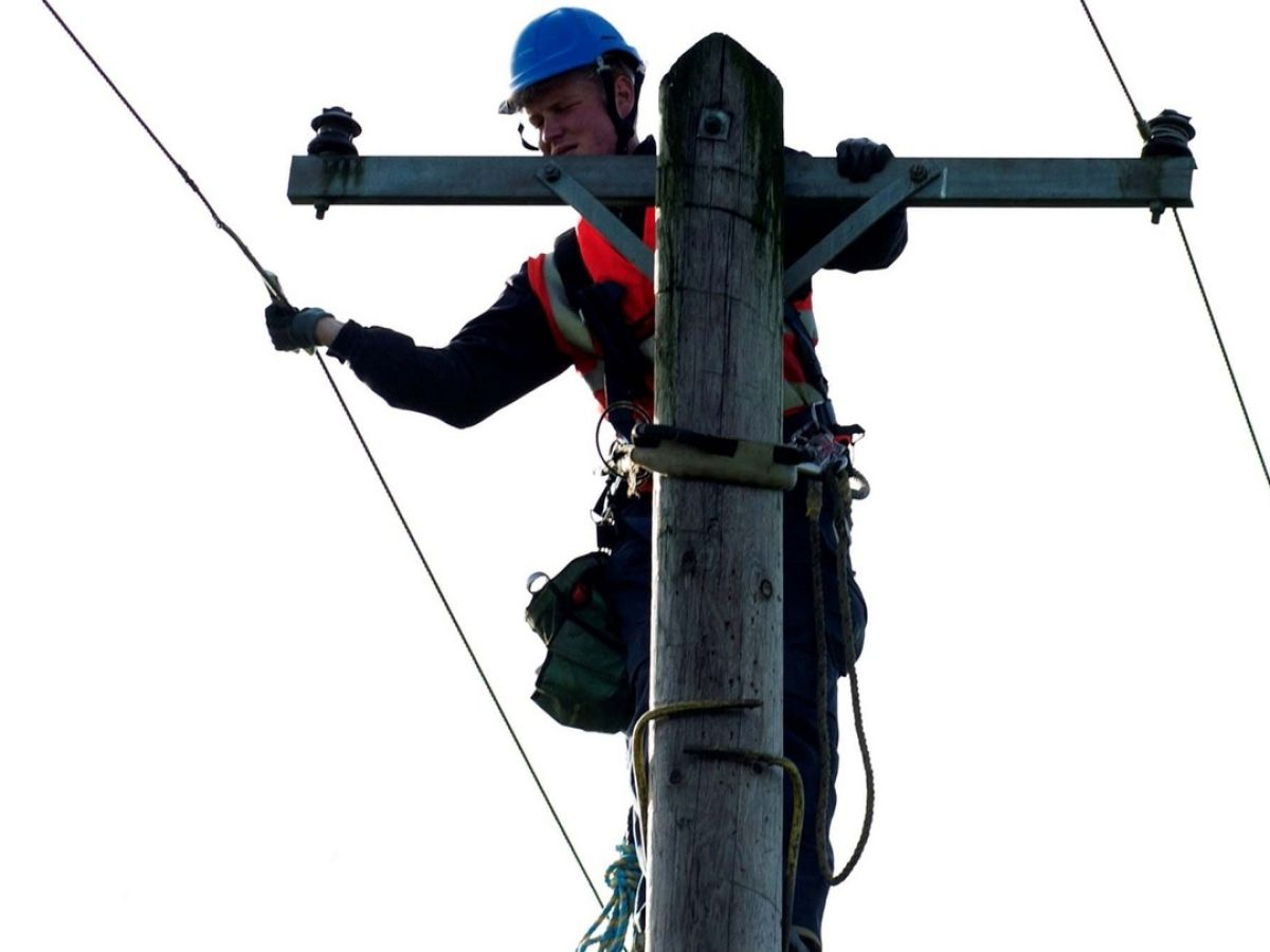 Storm Ophelia Efforts To Restore Power 2000 Resumes Cable Wire Harness Resume