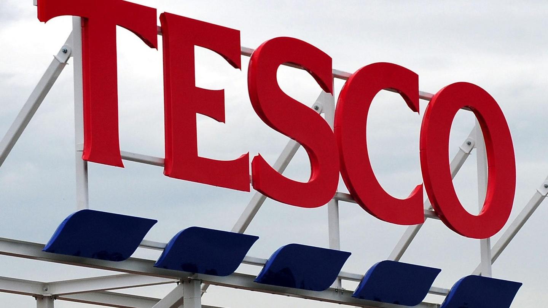 Supervalu and tesco tie for position of irelands largest supermarket falaconquin
