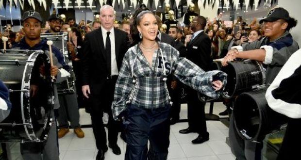 the latest 01a26 601b6 Rihanna's sportswear designs help lift Puma sales