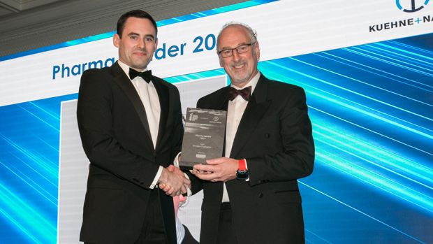 David Phelan, Managing Partner, Accreate presents the Pharma Leader Award 2017 to Brendan O'Callaghan