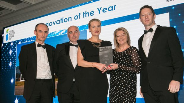 Rachel Pallett, Sales & Marketing Director, EMEA., Watson-Marlow Fluid Technology Group presents the Innovation of the Year award to the Meda Rottapharm (a Mylan Company) team