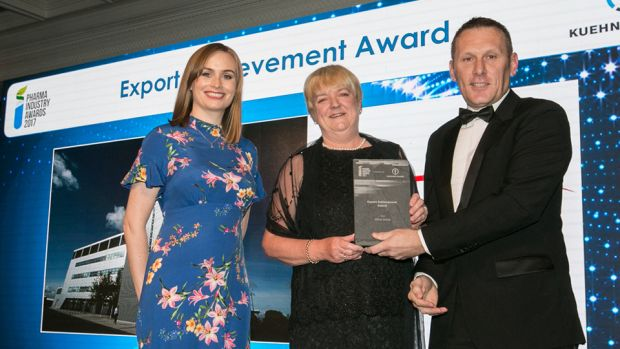 Mike Byrne, GS1 Ireland presents the Export Achievement Award to Karen Fahey & Rhona Fitzgerald, Almac Group