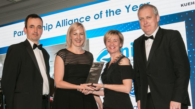 Deirdre McGrath, Camida presents the Partnership Alliance of the Year award to Claire Lennon & Niall O'Reilly, NIBRT