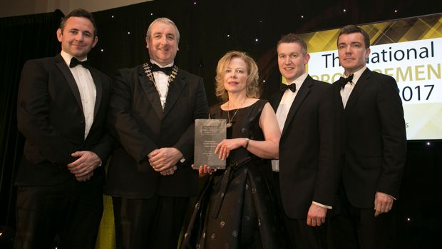 Sean O'Dwyer, President, IIPMM presents the Procurement Excellence Award – Private Sector award to the Exertis Supply Chain Services team