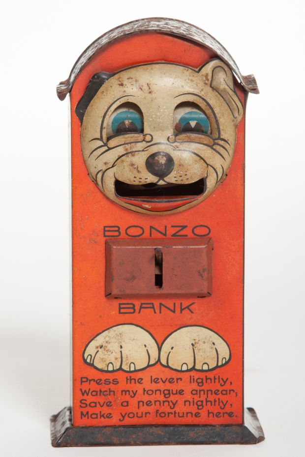 A rare 'Bonzo Bank' mechanical money box by Saalheimer & Strauss, an important toy maker in 1920s' Germany has an estimate of €1,500-€2,000.