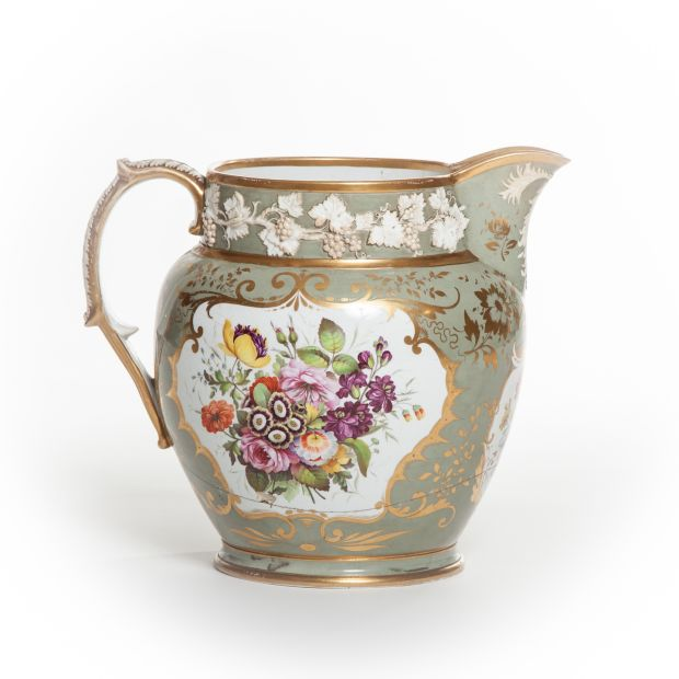 An early 19th-century English porcelain jug, probably Davenport, once owned by Daniel O'Connell, is estimated at €2,000-€3,000, despite the jug being cracked.