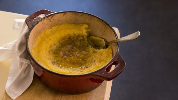 Oven-baked seaweed polenta is a simple and healthy way to make polenta.
