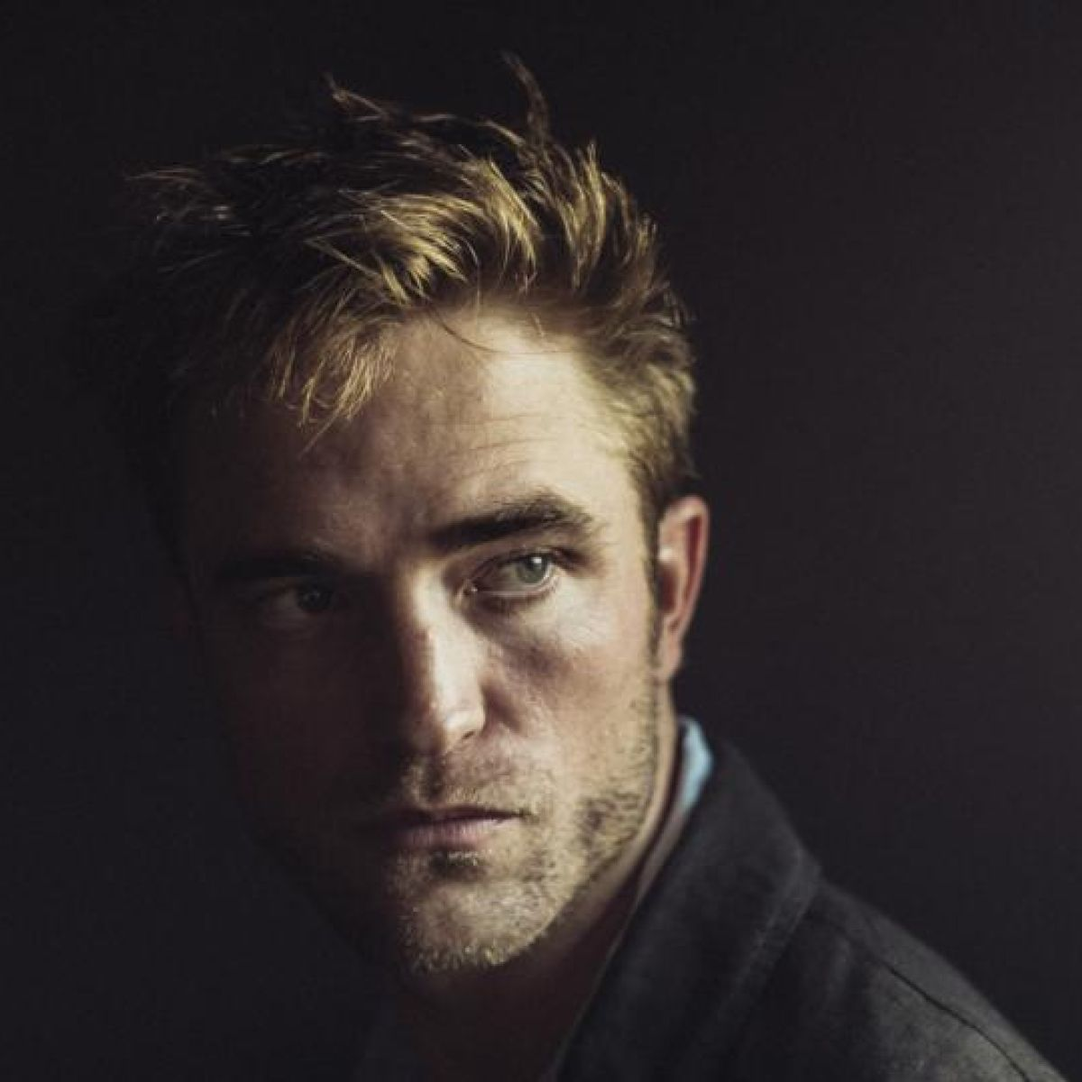 Who is robert pattinson dating october 2020