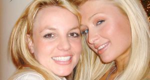 Is this the first selfie, taken by Paris Hilton in 2006?