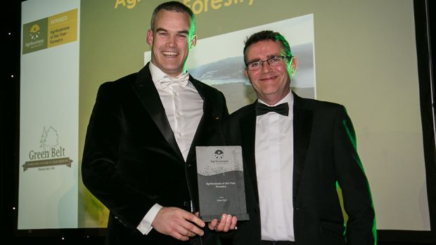 Padraig Dolan, Key Account Manager, ALS Labelling Solutions, presents the Agribusiness of the Year – Forestry award to Maurice Ryan, Green Belt