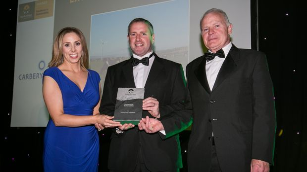 Dr. Karina Pierce, Lecturer, School of Agriculture and Food Science, UCD and Judging Co-ordinator, presents the Excellence in Sustainability award to Enda Buckley & J.J. Walsh, Carbery Food Ingredients