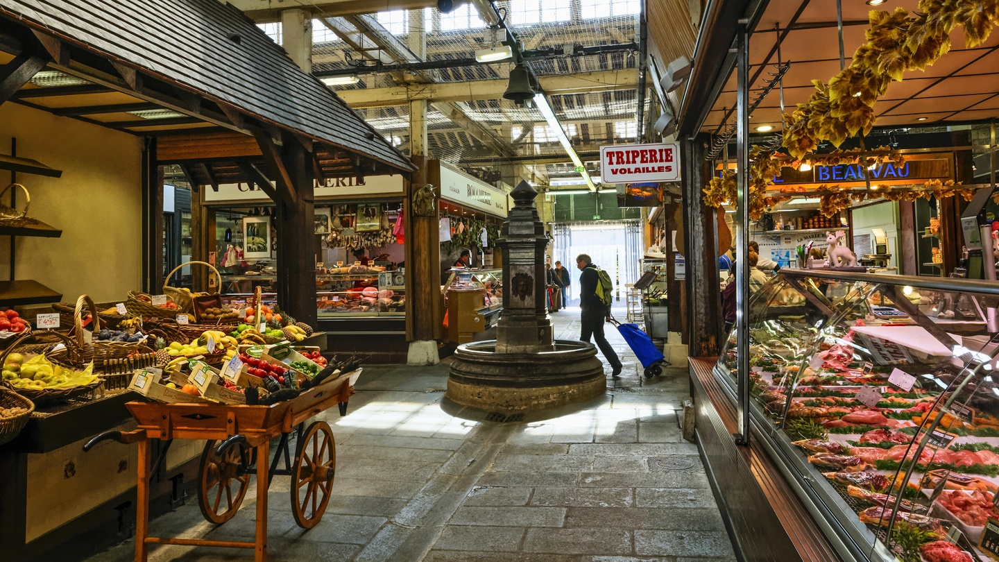 10 of the best restaurants and food stalls in Paris\'s covered markets