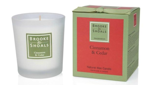 Brooke & Shoals Cinnamon & Cedar candle (€22 with free delivery from brookeandshoals.ie)