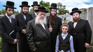 Menashe  offers outsiders a chance to puzzle over the fascinating mess of influences that form the Yiddish tongue