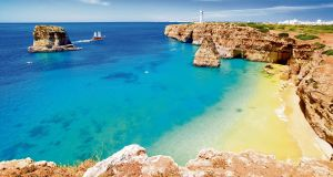 Save up to €300  with a summer travel offer  to Algarve