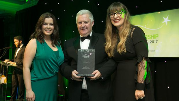 Jim O'Toole, Principal, sportsinterim.com, presents the Best Use of PR award to Joanne O'Sullivan, PSG and Tanya Townsand, Bord Gáis Energy.