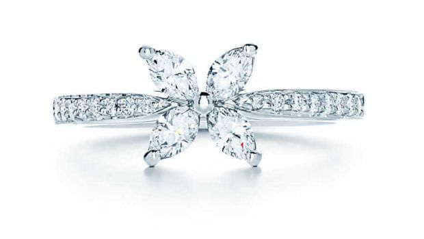 2134664d1 This Tiffany Victoria ring is delicate in form and the design possesses a  timeless glamour and sophistication. It's set in platinum with diamonds.  Price: € ...