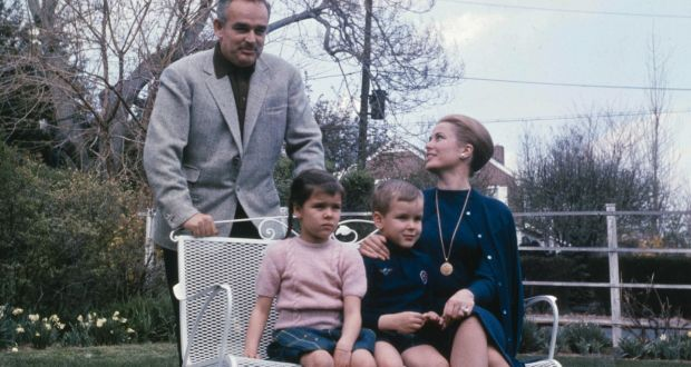 Princess Grace And Prince Rainier Of Monaco With Their Children Caroline Albert In The 1960s