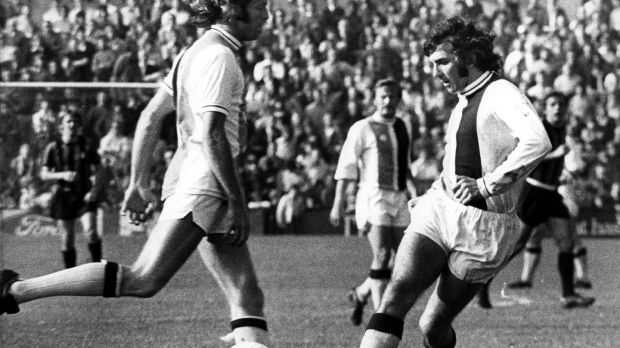 Paddy Mulligan in action for Crystal Palace in 1975. Photograph: Evening Standard/Getty Images