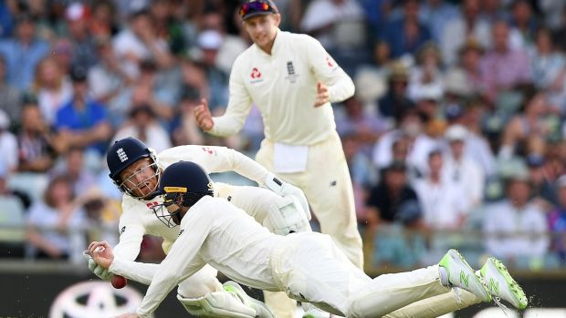 Steve smith takes the initiative after england batting collapse bairstow and james vince let a catch slip through both of their hands photo fandeluxe PDF
