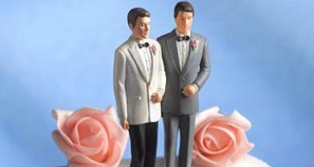 مسن يتزوج صديقه من أجل الميراث
