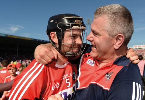 18 June 2017 - Christopher Joyce of Cork celebrates with Cork selector Diarmuid O'Sullivan after the Munster GAA Hurling Senior Championship Semi-Final match between Waterford and Cork at Semple Stadium in Thurles, Co Tipperary.  Photo by Piaras Ó Mídheach/Sportsfile