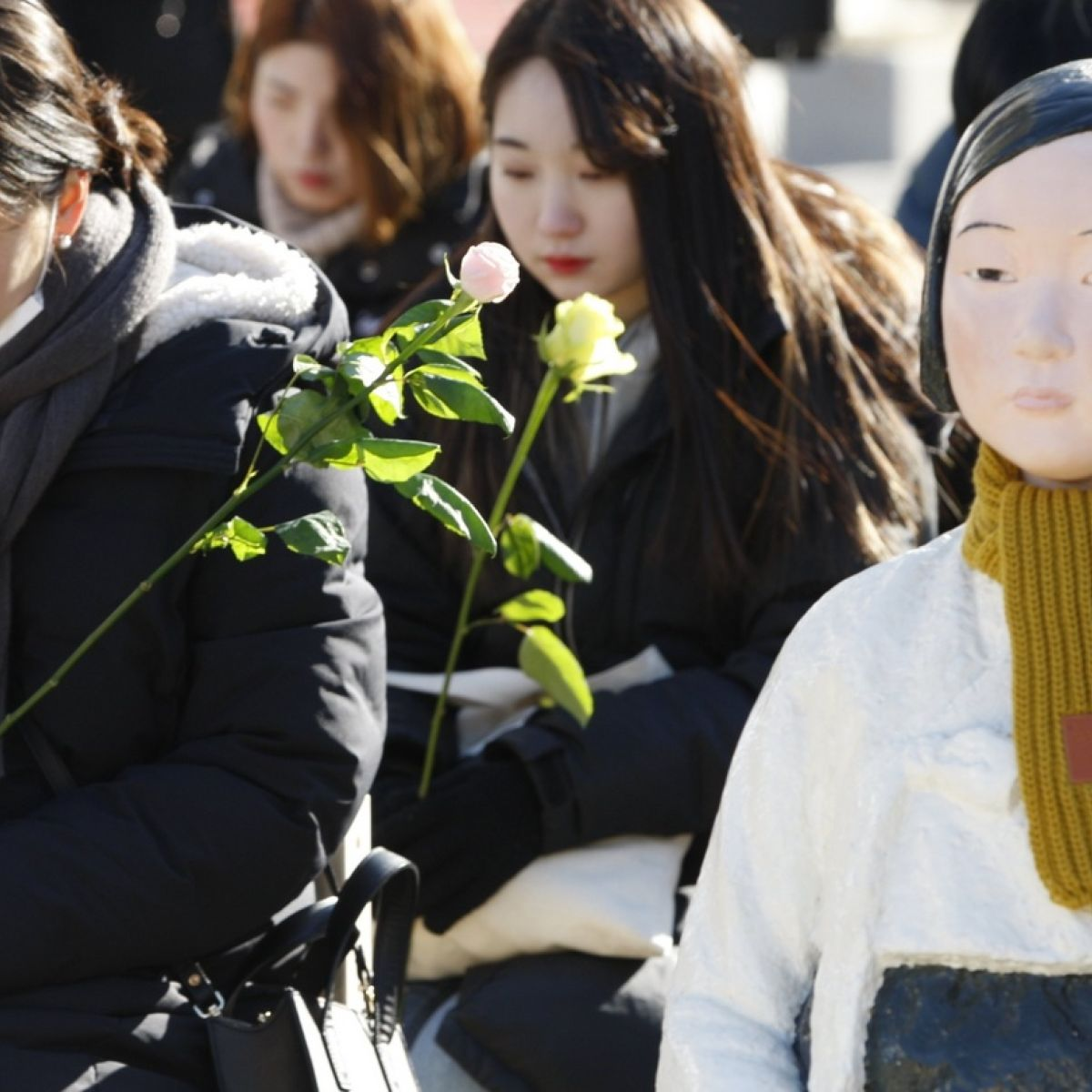 Legacy of wartime sex slaves threatens Japan-Korea relations