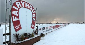 Snow at Fairyhouse has caused the abandonement of Wednesday's race meeting. Photo: Morgan Treacy/Inpho