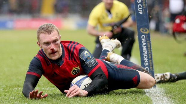 Munster's Keith Earls scores a try in their win over Castres. Photo: Dan Sheridan/Inpho