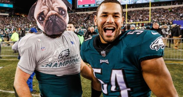 Philadelphia Eagles  Jason Kelce celebrates with Kamu Grugier-Hill after  the win over the 78cbd21bf
