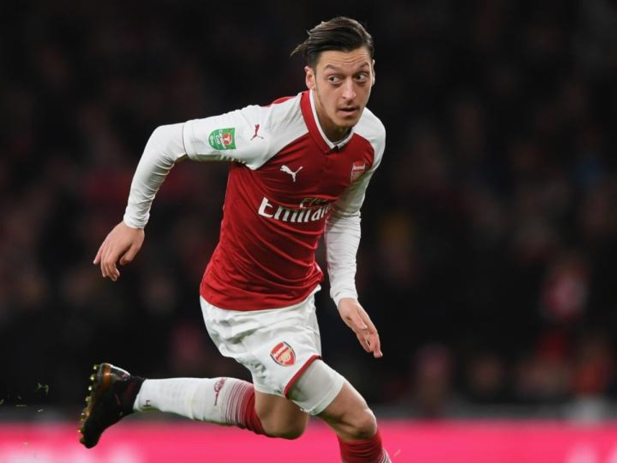 Mesut –zil Signs €400 000 A Week Three Year Contract