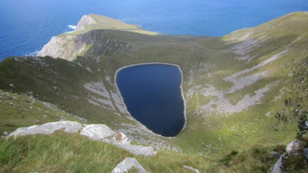 Lough Bunnafreeva West, Achill