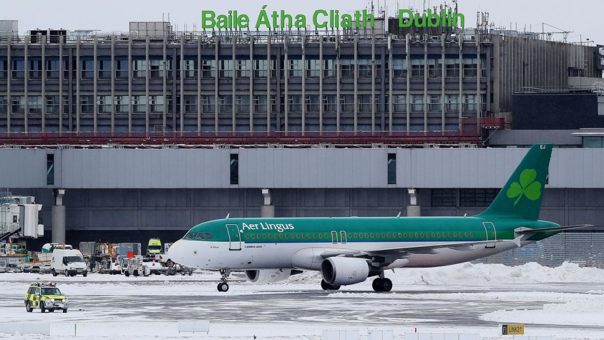 buy Array - big snow what are your rights if your flight is cancelled rh  irishtimes ...