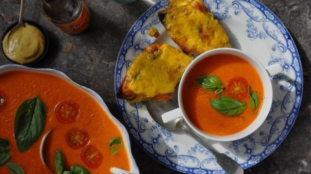 Roasted red pepper soup with Welsh rarebit toasts