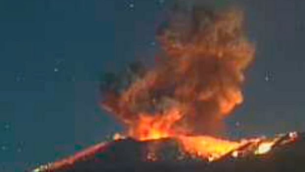 Warnings issued over Mount Shinmoedake volcano