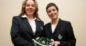 Su Carty (right) with Ireland international Niamh Briggs