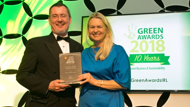 Jim O'Toole, CEO, BIM – Ireland's Seafood Development Agency, presents The Green Seafood Business award to Birgitta Hedin-Curtin, Burren Smokehouse.