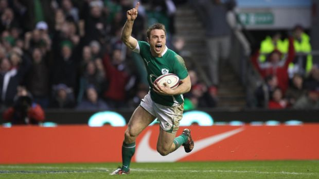 Tommy Bowe scores Ireland's third try against England in the 2010 Six Nations. Photograph: Dan Sheridan/Inpho