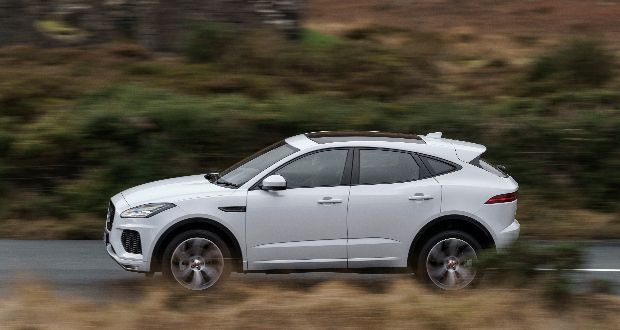 JaguarDrive Control in all E-PACE models gives customers a choice of four driving modes, selected using buttons on the centre console: Normal, Dynamic, Eco and Rain, Ice and Snow.