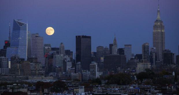 Sales Of Luxury Manhattan Apartments Plunge