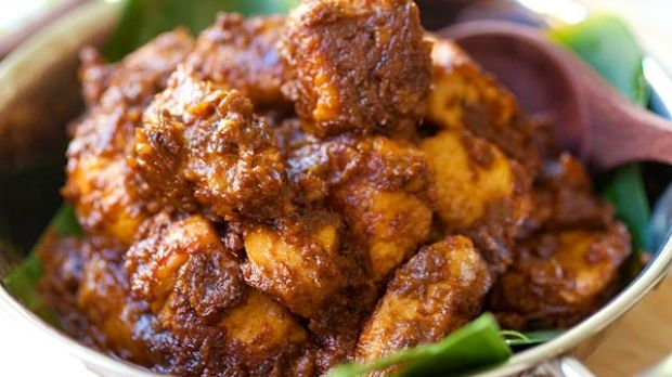 How to make a proper chicken rendang the chicken should be soft and tender to the bite and the spices lend intense forumfinder Images