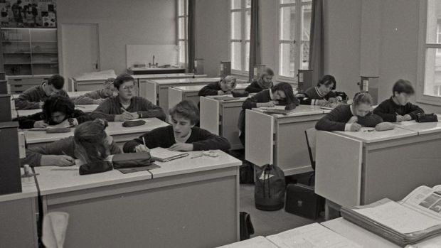 Macron at school: the future president is second from the left at the front desk, at La Providence Jesuit school
