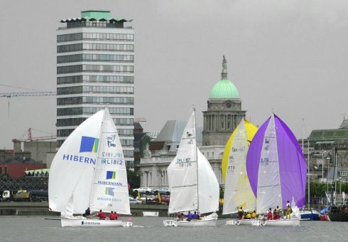 1720 Sports Boats taking part in the annual Docklands Authority Liffey Challenge race on the River Liffey in Dublin Photograph: Frank Miller 12.7.02