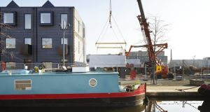 Part 1: Installing modular housing by Urban Splash at Keepers Quay, Manchester.