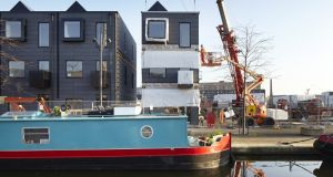 Part 3: Installing modular housing by Urban Splash at Keepers Quay, Manchester